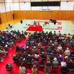 共楽館(現日立武道館)で落語を演じる渡部博さん