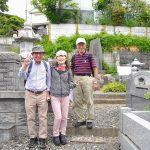 二本松藩士のお墓前でこの表情