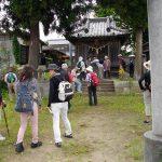 熊野神社・八坂神社まえにて 社は一つ