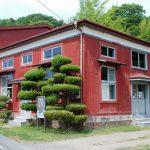 赤レンガが歴史を物語る旧町屋変電所(反対側からの全景)