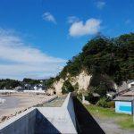 川尻海岸に接する御番山。遠見番所と砲台跡