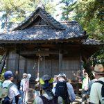 え~、これが歴史を語る養蚕神社になります