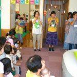 子どもたちの前で、立派な演奏発表ができました(2)