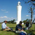 日立灯台をバックに昼食