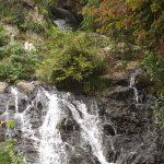 うす紅葉の男滝と女滝